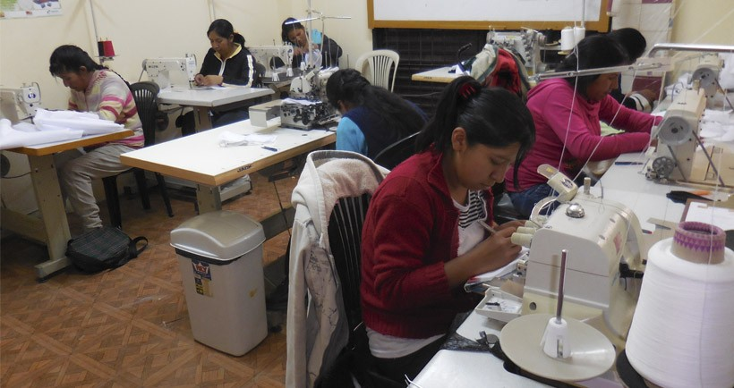 Marcha del proyecto de capacitación de mujeres en El Alto (Bolivia)