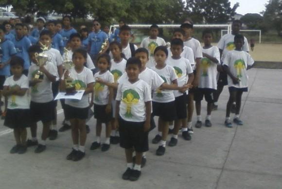 Oportunidades educativas dignas para niños, niñas y adolescentes en situación de pobreza en Guayaquil, Ecuador