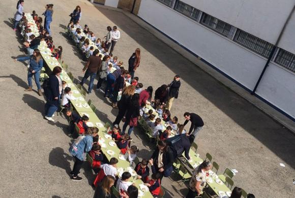 Almuerzo Solidario en el centro San Agustín de Linares