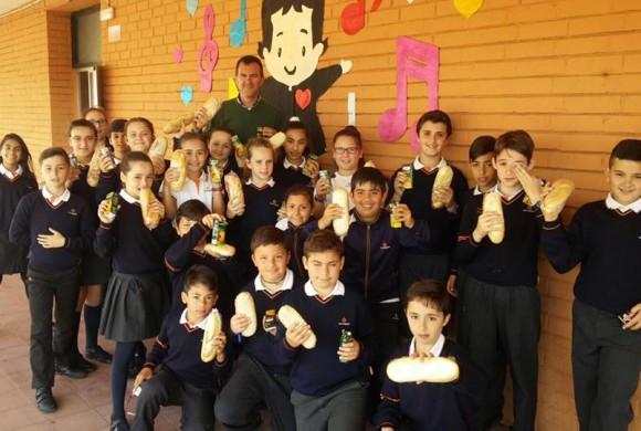 Bocadillo Solidario en el centro educativo San Juan Bosco de La Línea