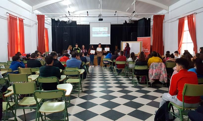 Presentación del voluntariado y la acción solidaria en el IES de Benamejí