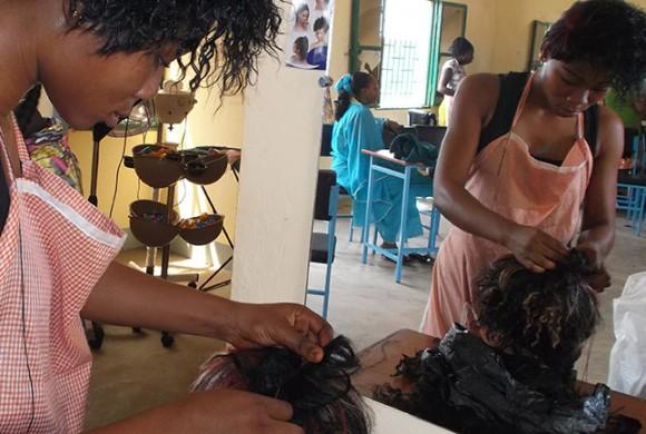 Reforzando la inserción laboral de las mujeres jóvenes en Belleville (Burkina Faso)